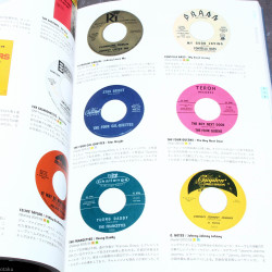 60's Girl Sounds Disc Guide Book